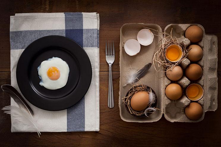 تخم مرغ یکی از منابع تامین کننده بیوتین بدن هست